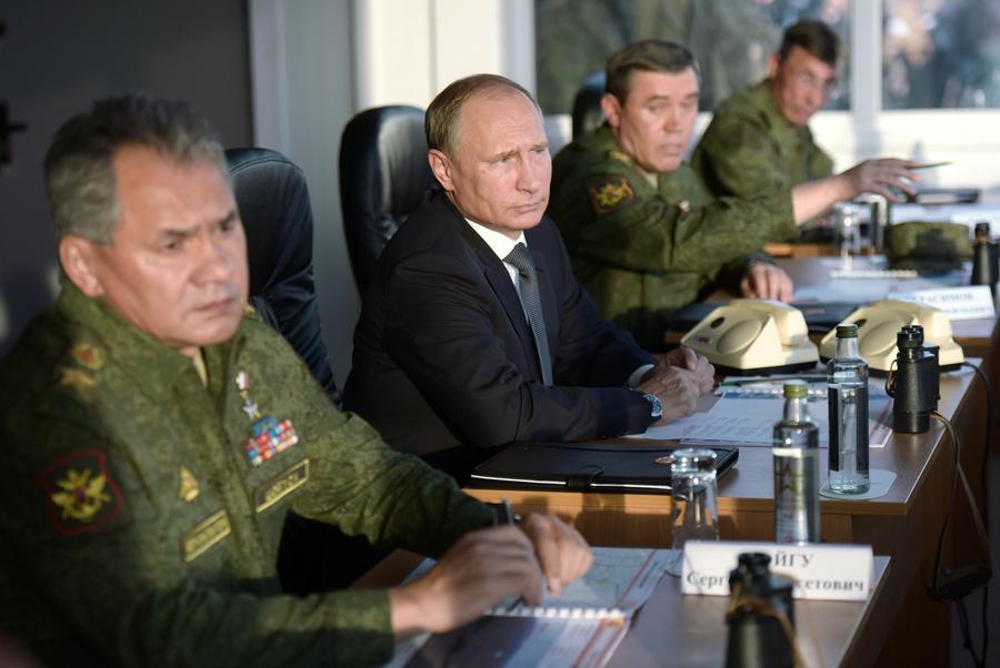 Владимир Путин: Учения «Центр-2015» показали высокие характеристики современных систем вооружения