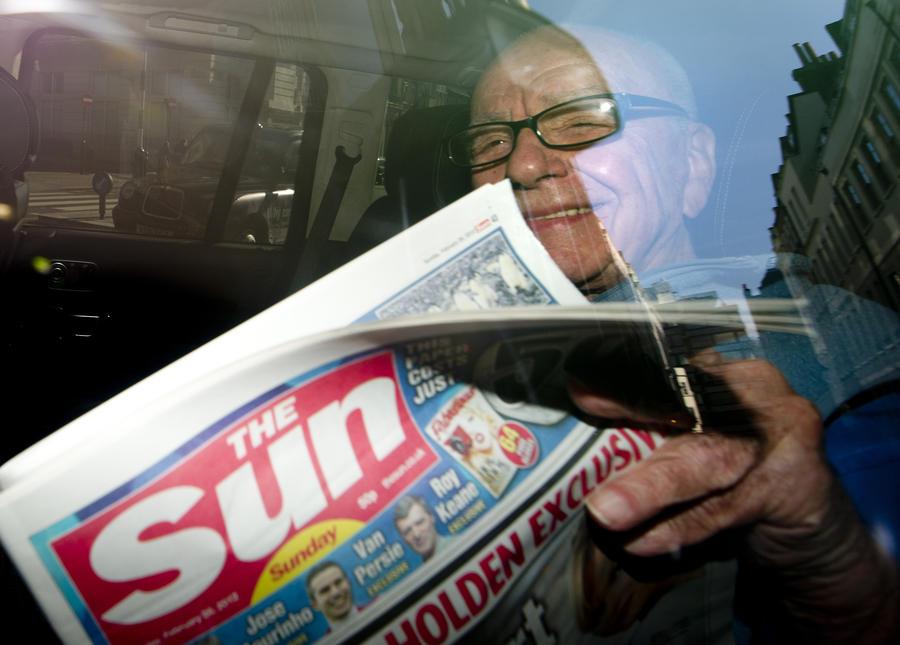 Британские полицейские сели в тюрьму за сделку с журналистами