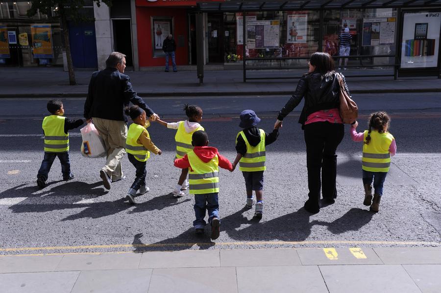 В школах Великобритании будут переносить каникулы, чтобы родители меньше платили за отдых детей