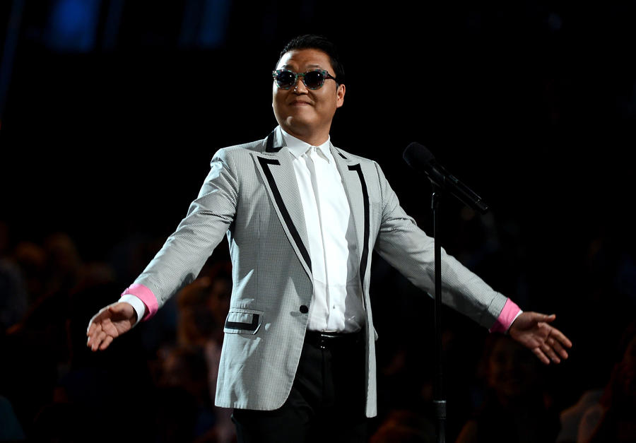 Псевдо-PSY развлекался среди звёзд на Каннском фестивале