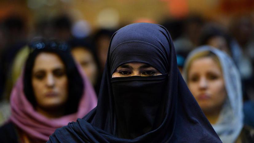 СМИ: В Ливане женщин-боевиков  готовят для борьбы с сирийской армией