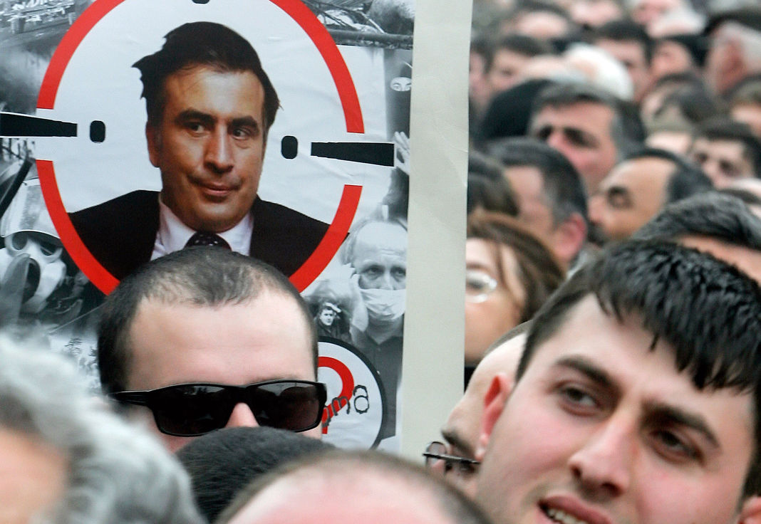 Грузинские СМИ: Михаил Саакашвили умрет от российской «Гадюки»