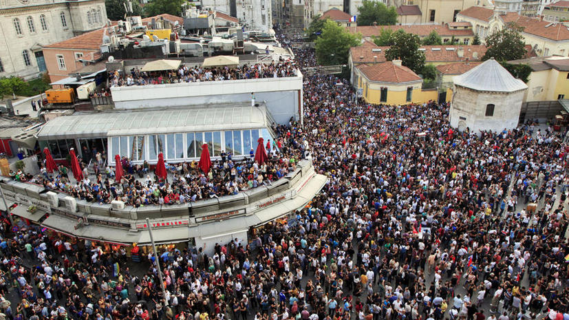 Суд Турции пошел навстречу демонстрантам: Таксим не тронут