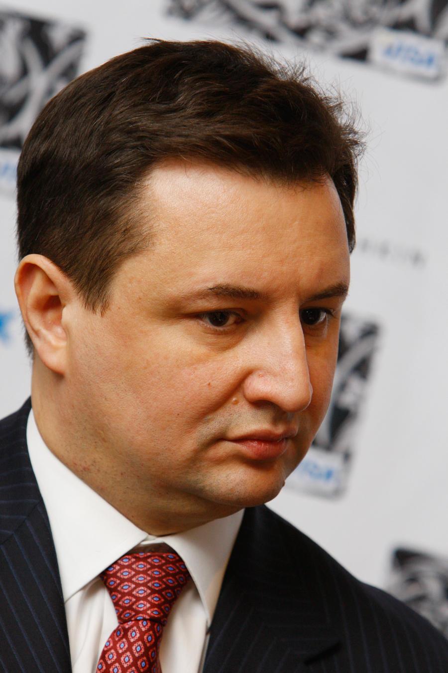 Следственный комитет предъявил обвинение председателю правления и старшему вице-президенту «Росбанка»