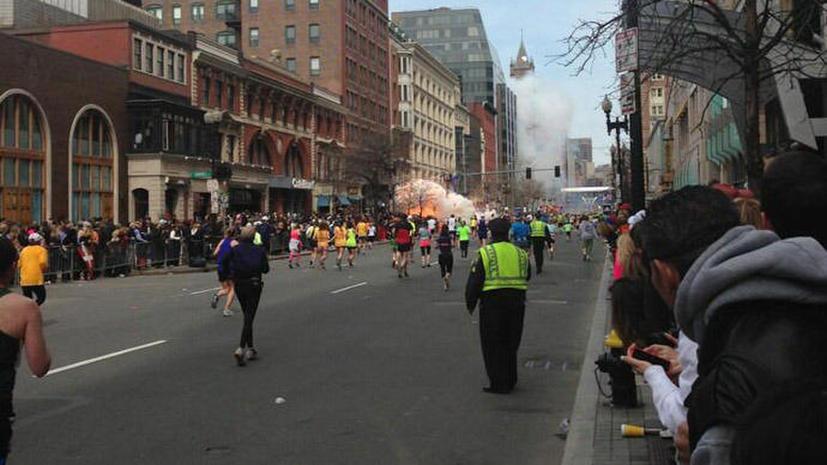 Первое видео с места взрыва на Бостонском марафоне