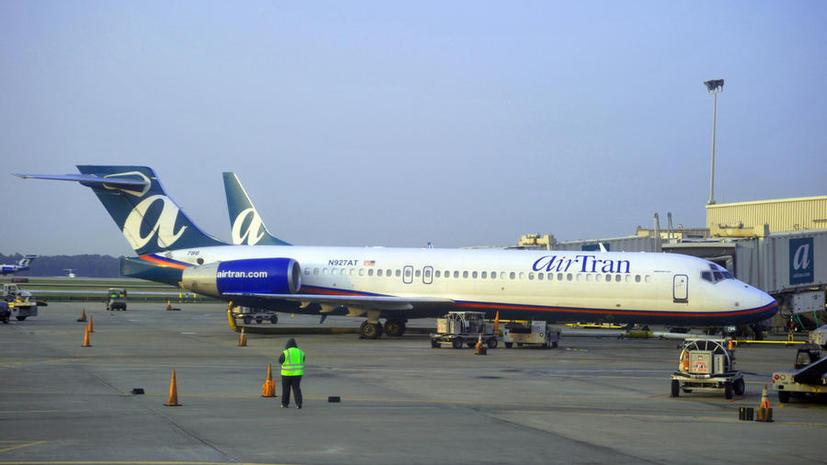 В США 100 школьников сняли с рейса Нью-Йорк–Атланта за плохое поведение