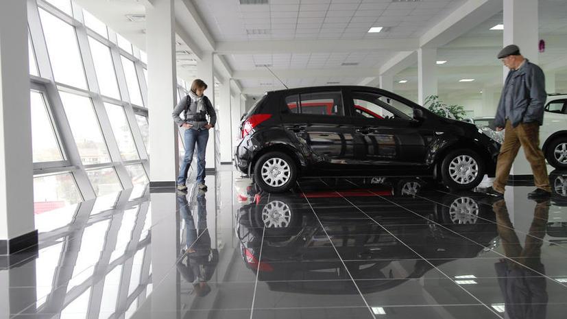 Российский авторынок: продажи Lada упали на 23%, у Porsche — выросли в два раза