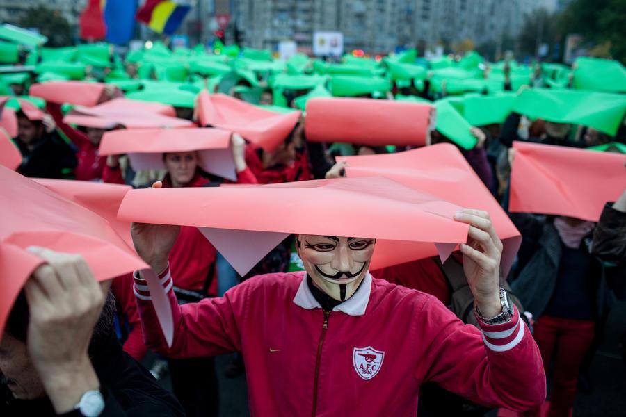 Хакеры из Anonymous пообещали отомстить целому городу в США за оправдание двух насильников