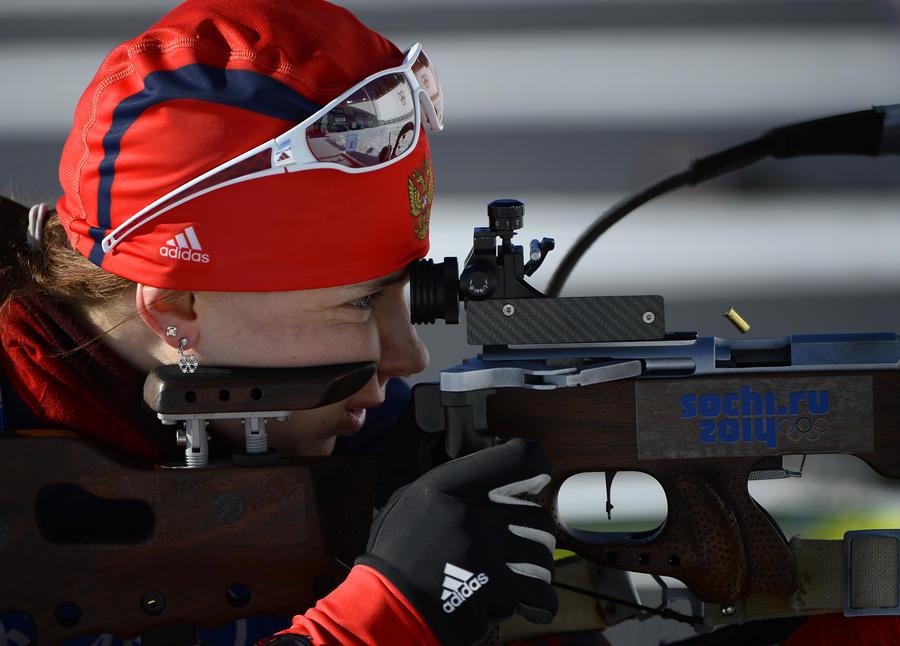 Россиянка Ольга Вилухина выиграла серебро в биатлонном спринте на 7,5 км