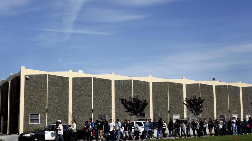 15 человек ранены в результате нападения на колледж в Техасе