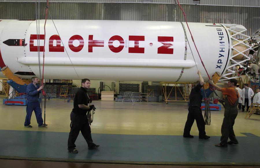 Сотрудник, неверно установивший датчики на «Протон-М», скрылся из Москвы