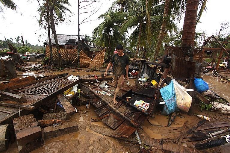 На Филиппинах 80 человек стали жертвами мощного тайфуна