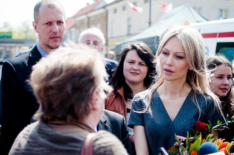 Кандидат в президенты Польши Магдалена Огурек винит власти страны в разрушении отношений с Россией