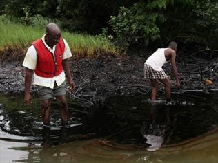 Жители Нигерии пять лет ждали от Shell компенсаций за ущерб от утечек нефти