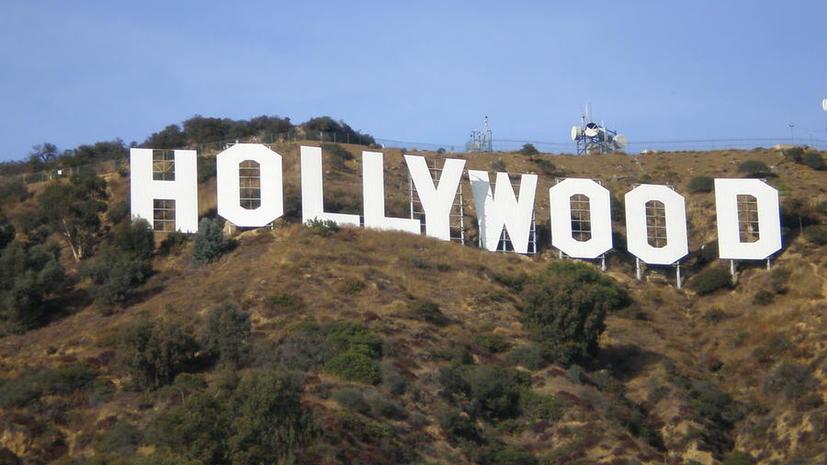 Знак Hollywood стал яблоком раздора между туристами и местными жителями