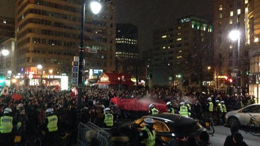 Полиция Канады вновь применила слезоточивый газ при разгоне студенческой демонстрации