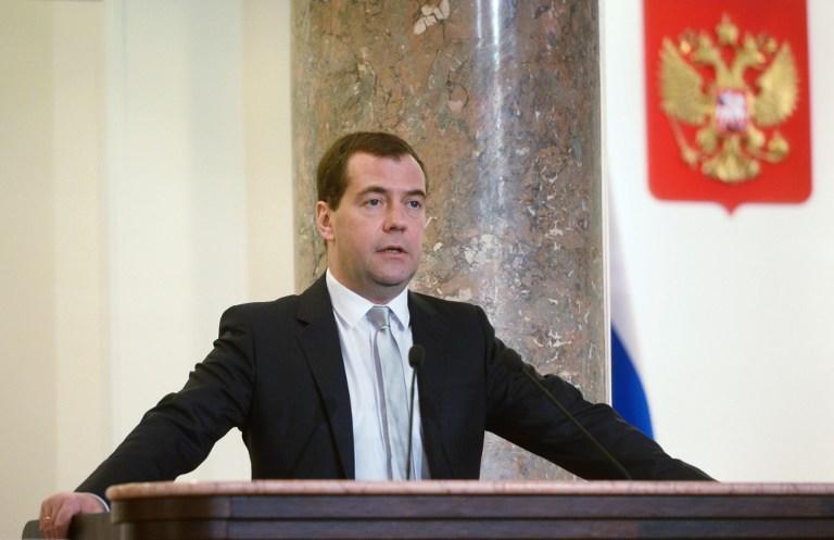 Дмитрий Медведев: США и Европа должны хоть чем-то помочь Украине