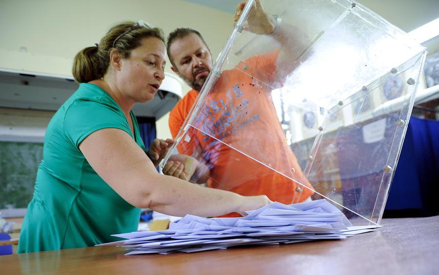 СИРИЗА побеждает на досрочных парламентских выборах в Греции