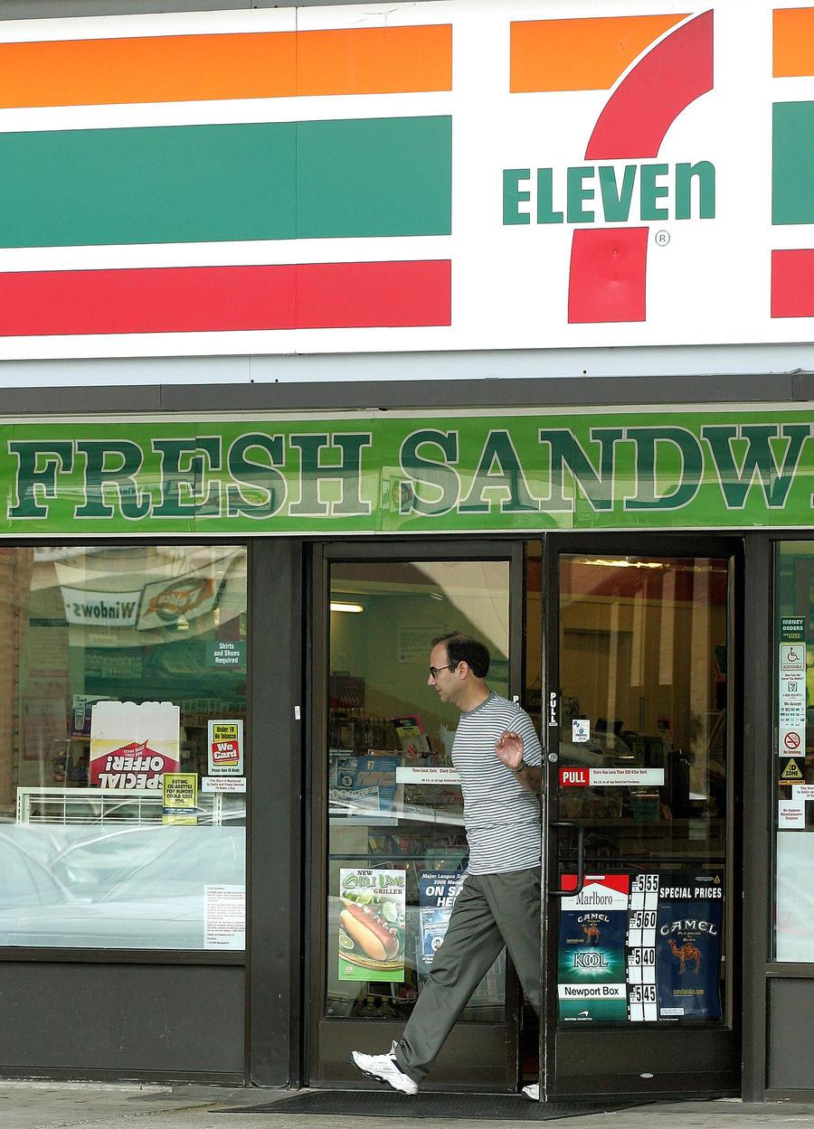 В американских магазинах 7-Eleven работали рабы-нелегалы