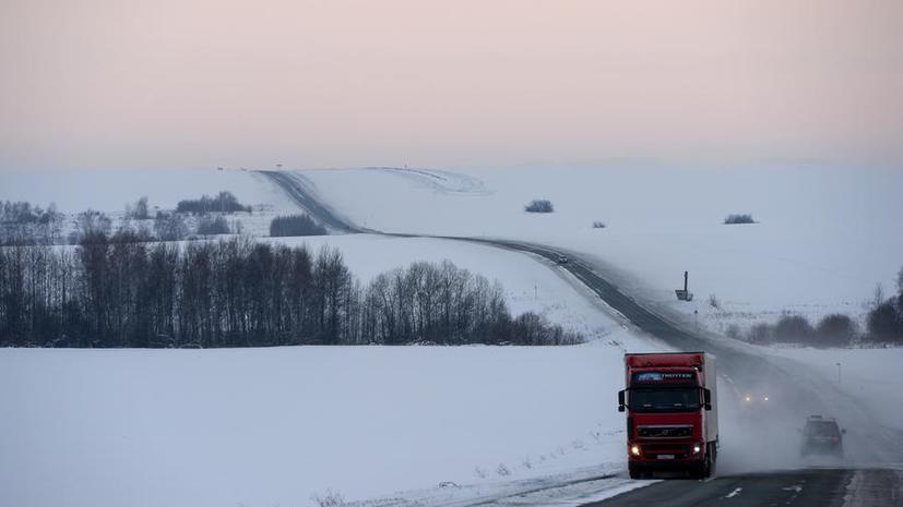 Россия приостановила движение украинских большегрузов по своей территории