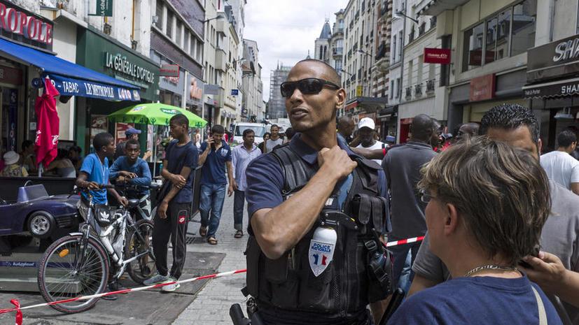 Власти пригородов Парижа запретили ночную торговлю из-за уличного пьянства