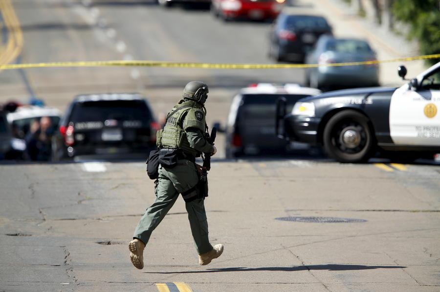 В США снайпер открыл огонь по сотрудникам полиции