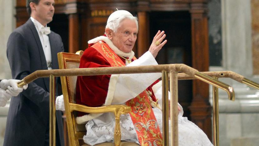 Папа Римский сделал бывшему дворецкому Рождественский подарок