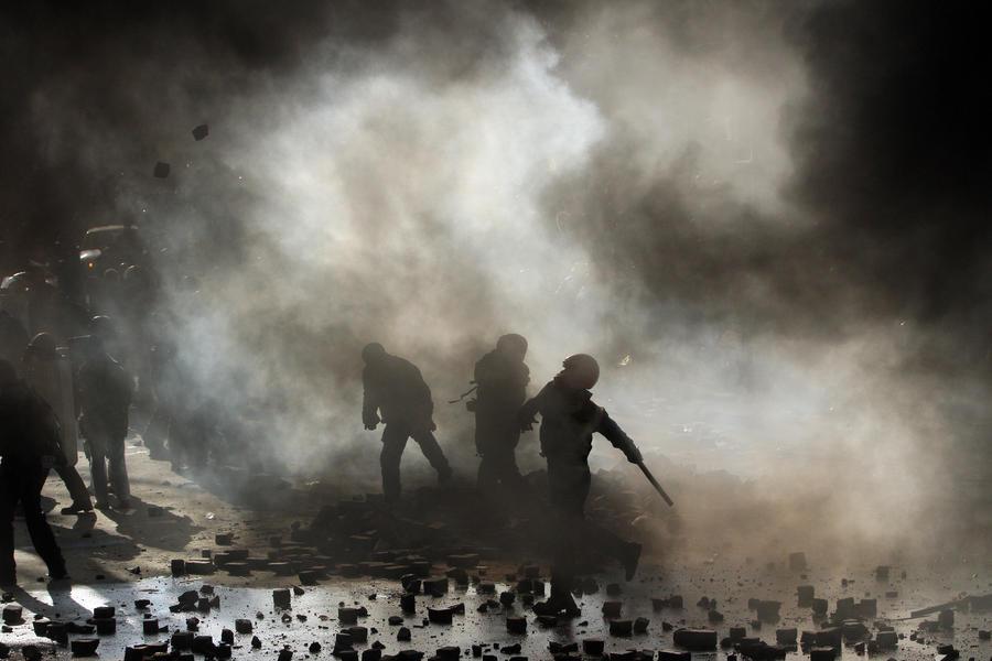 В столкновениях в центре Киева погибли 9 сотрудников правопорядка и 11 протестующих