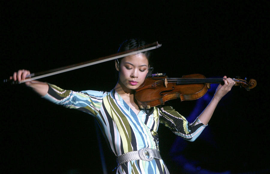 Скрипачка Ванесса Мэй примет участие в сочинской Олимпиаде