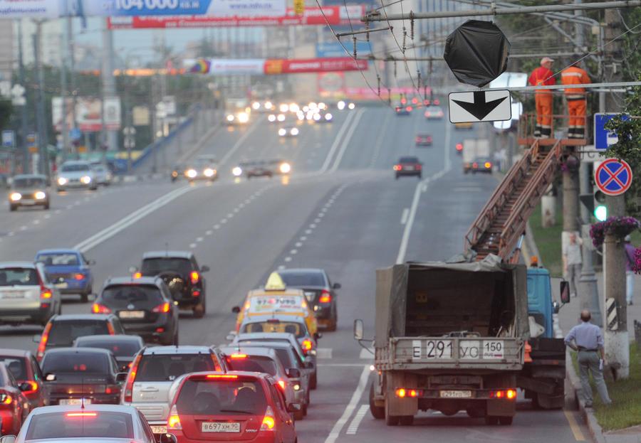 На российских дорогах могут появиться платные выделенные полосы