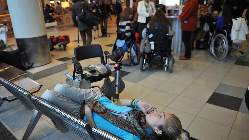 Прокуратура проверит инцидент с девочкой-инвалидом, которая не попала на борт самолета «ЮТэйр»