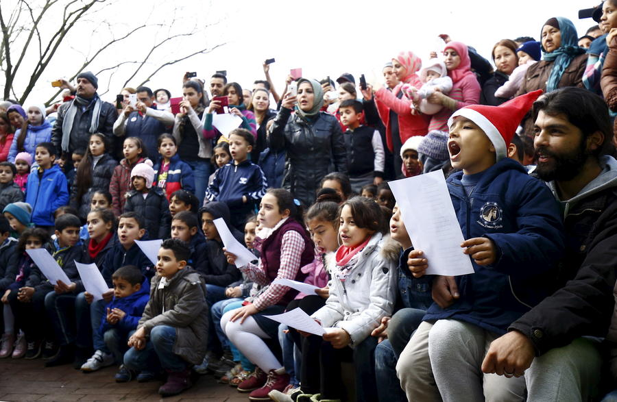 Правительство Германии наняло 8,5 тыс учителей для детей мигрантов и беженцев
