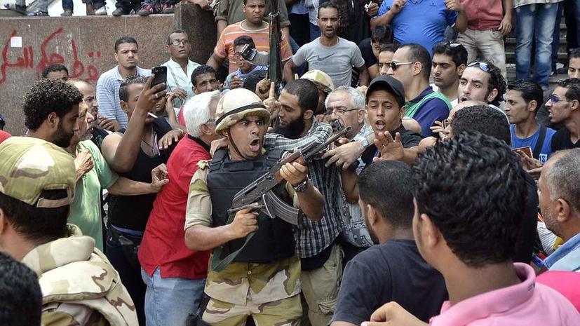ЕС введёт эмбарго на поставки в Египет оружия и полицейской техники