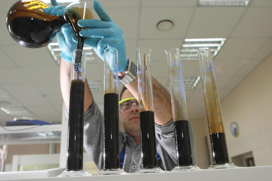Южнокорейские учёные научились производить бензин с помощью генетически модифицированных бактерий