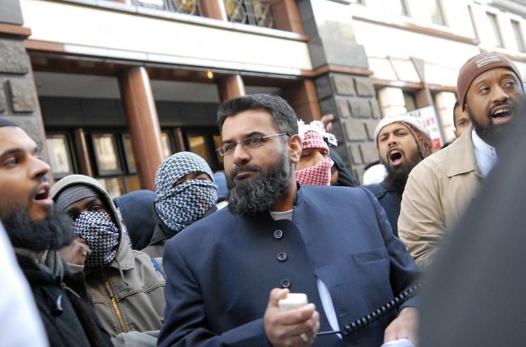 СМИ: Радикальные мусульмане требуют запретить торговлю алкоголем в столице Великобритании