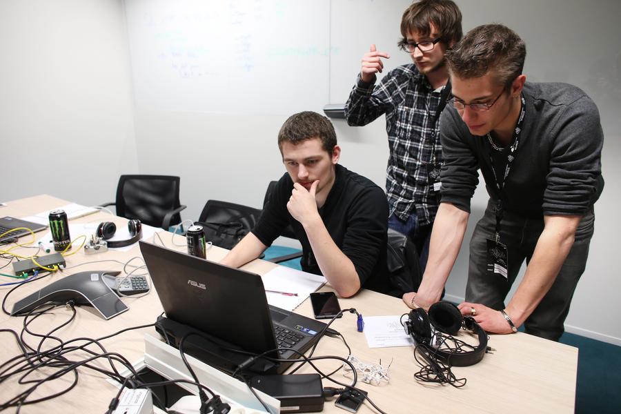 Конгресс США намерен легализовать хакерские атаки на хакеров