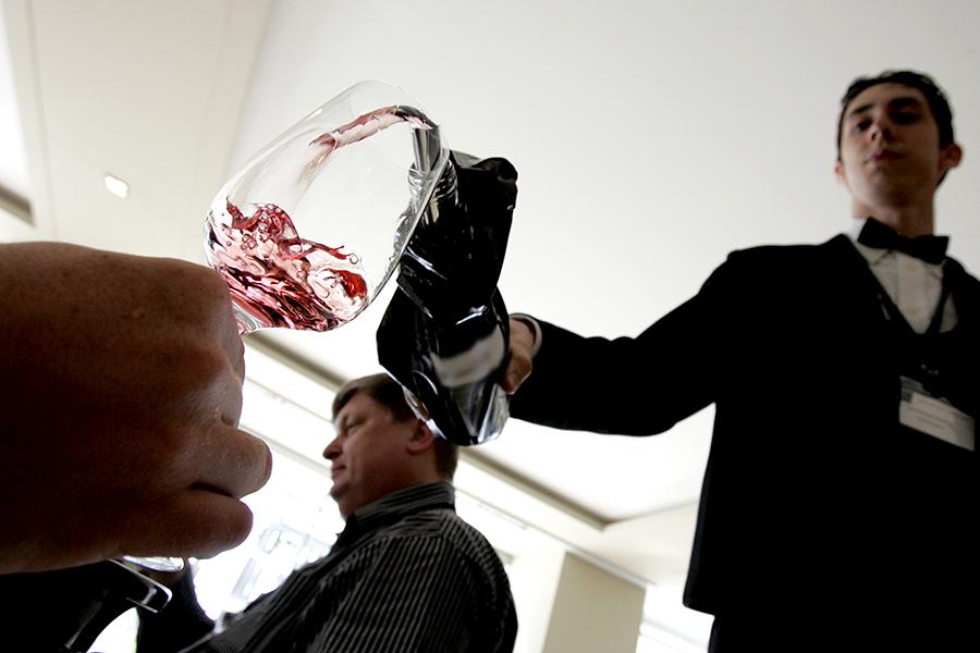 Красное вино и оптимизм продлевают жизнь