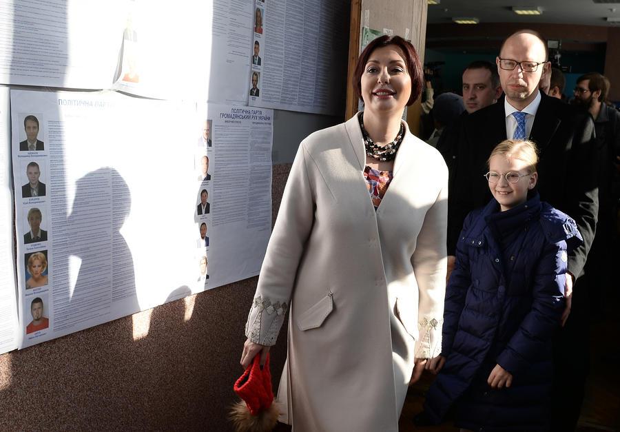 После обработки более 70% протоколов на выборах в Раду лидирует Народный фронт Арсения Яценюка