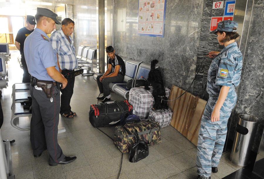 Террористы не смогут работать сотрудниками служб безопасности аэропортов