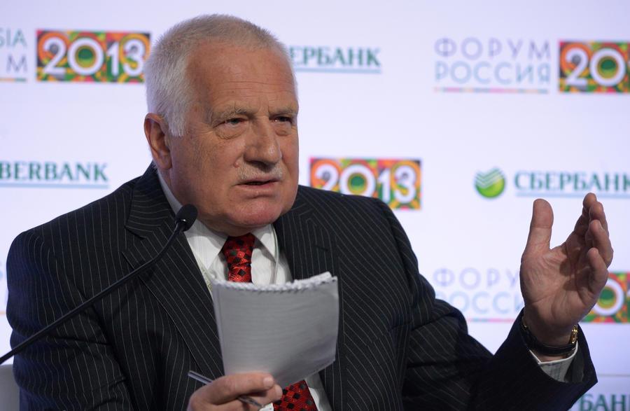 Экс-президент Чехии: Запад и США спровоцировали на Украине неразрешимый конфликт