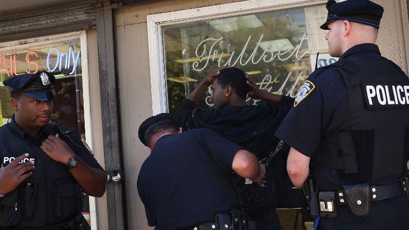 Отчет: В судебной системе США процветает расизм