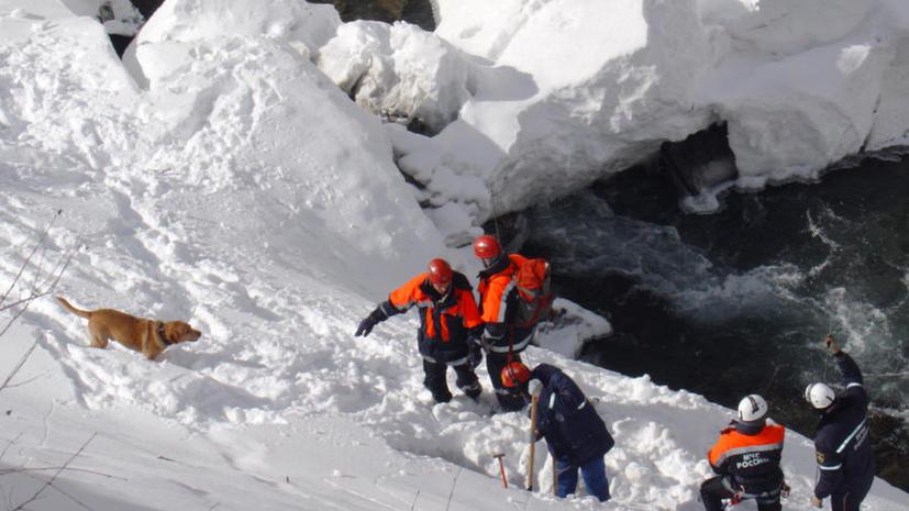 В Туве нашли тела пяти подростков, попавших под лавину