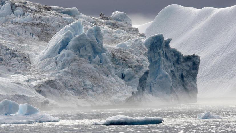 Российское судно «Академик Шокальский» готово к вызволению из ледяного плена