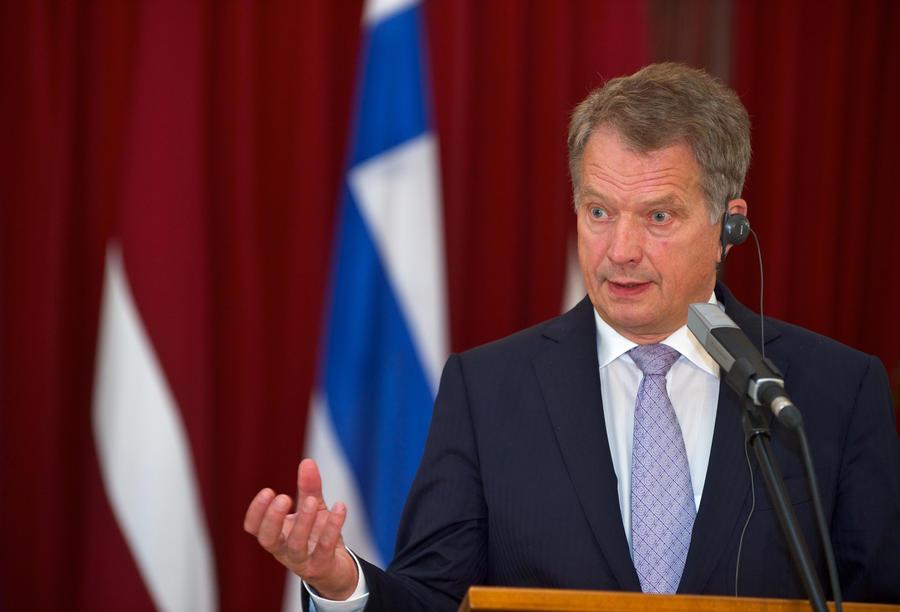 Президент и глава МИД Финляндии выступили против присоединения страны к НАТО