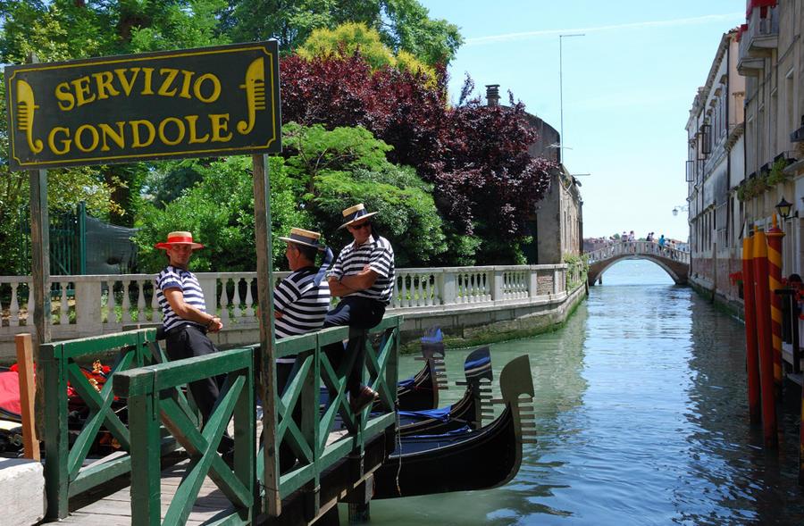 Венецианских гондольеров обяжут проходить тесты на алкоголь и наркотики
