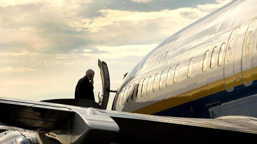 Пассажирам американских авиакомпаний разрешат пользоваться электроникой