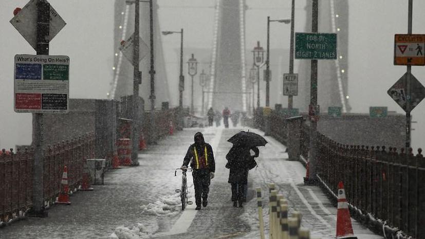 В США более 900 авиарейсов отменены из-за снежного урагана