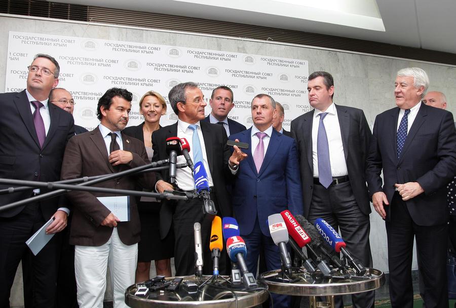 Французская делегация: В Крыму царит мир, как бы США ни желали обратного