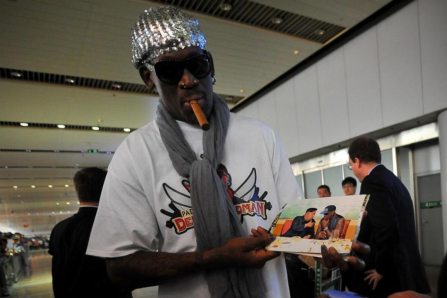 Звезда NBA Деннис Родман приготовил лидеру КНДР подарок на день рождения — баскетбольный матч