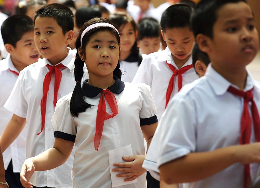Власти Вьетнама простили школьницу за издевательство над Хо Ши Мином в Facebook